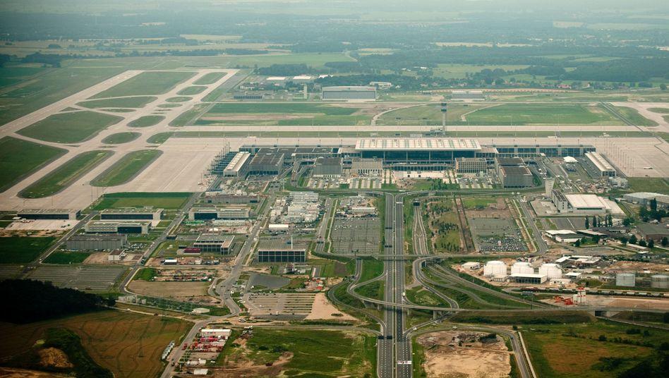 Baustelle des Flughafens Berlin Brandenburg: Eröffnung im Sommer 2013 - oder im Herbst?