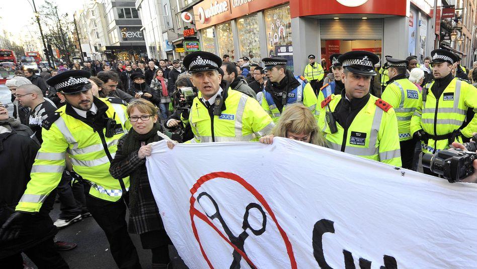 Vodafone-Shop in London: Demonstration gegen Steuerhinterziehung der Konzerne