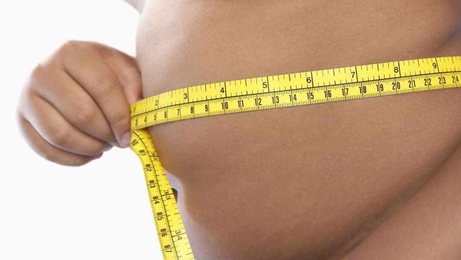Übergewicht: Falsche Ernährung kann eine krankhafte Verfettung der Leber auslösen