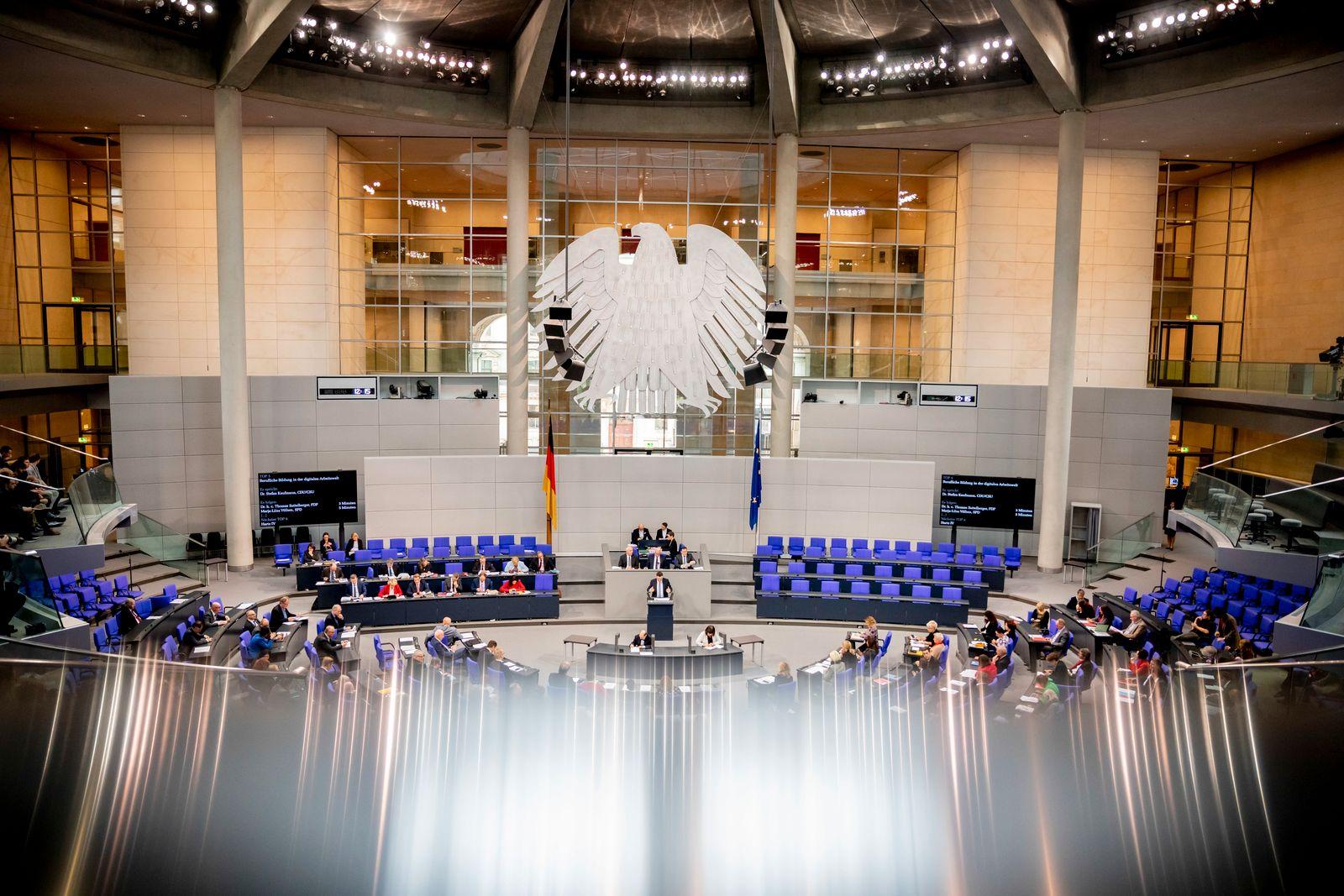 Gastkommentar/ Belastung von Politikern/ Bundestag