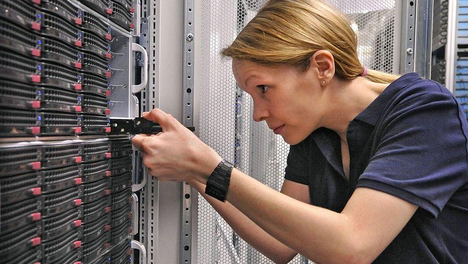 Austausch einer Festplatte im Rechenzentrum: Hohe Kosten wegen Speicherverpflichtung