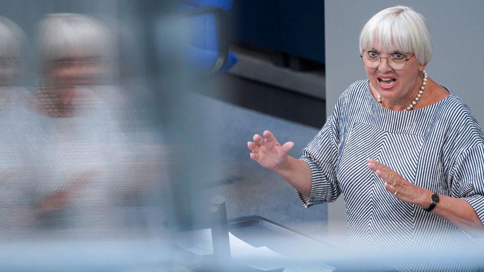 Bundestagsvizepräsidentin Claudia Rot für mehr Transparenz bei der Polizei
