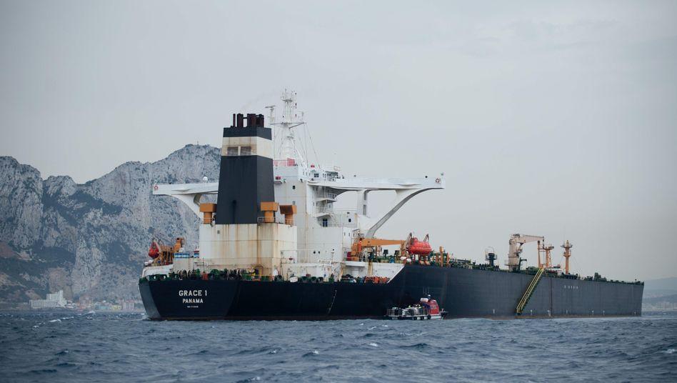 """Supertanker vor Gibraltar: """"Die Untersuchung dauert an, die """"Grace 1"""" bleibt festgesetzt."""""""