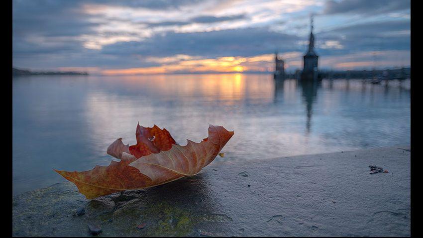 Bodensee: Fotografiert bei Sonnenaufgang am Konstanzer Hafen