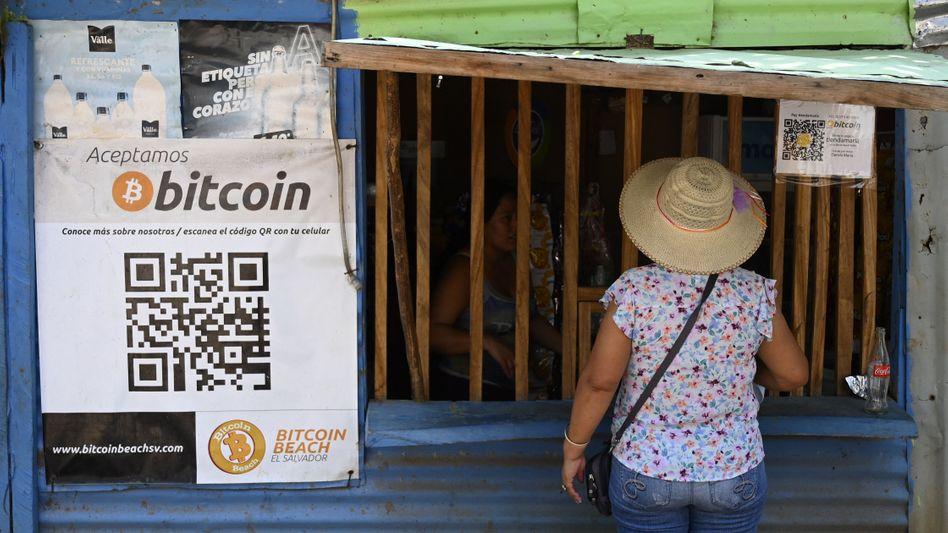 Bitcoin als Zahlungsmittel in einem Laden in El Zonte, El Salvador