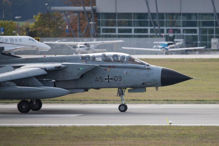"""""""Tornado""""-Jet der Bundeswehr: In Deutschland lagern rund 20 Atombomben im Fliegerhorst Büchel"""
