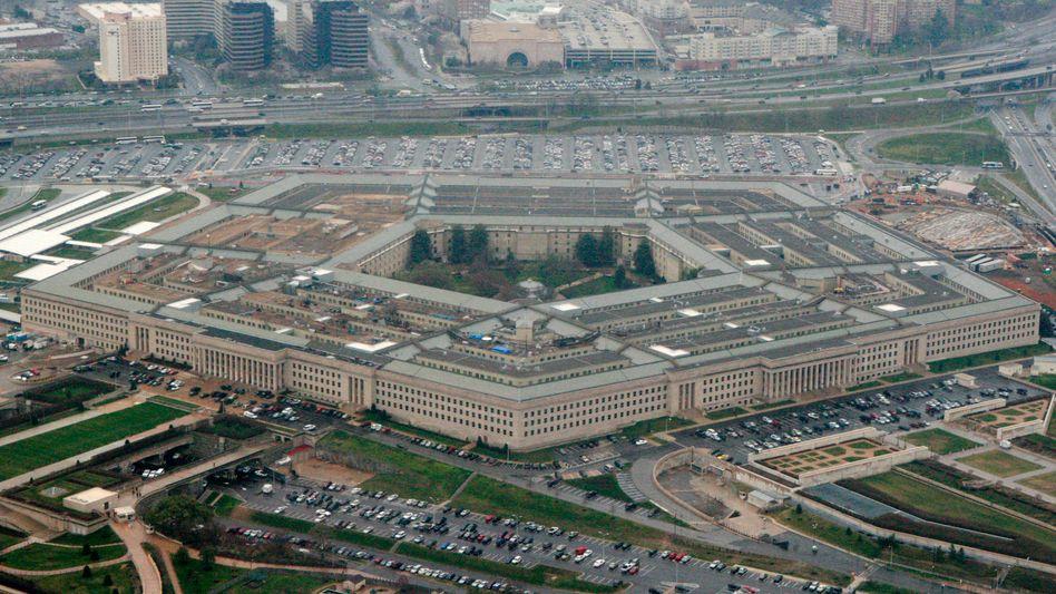 Das Pentagon in Washington (Archivbild): Microsoft soll sich um den Aufbau eines Cloud-Systems für alle Teilstreitkräfte des US-Militärs kümmern