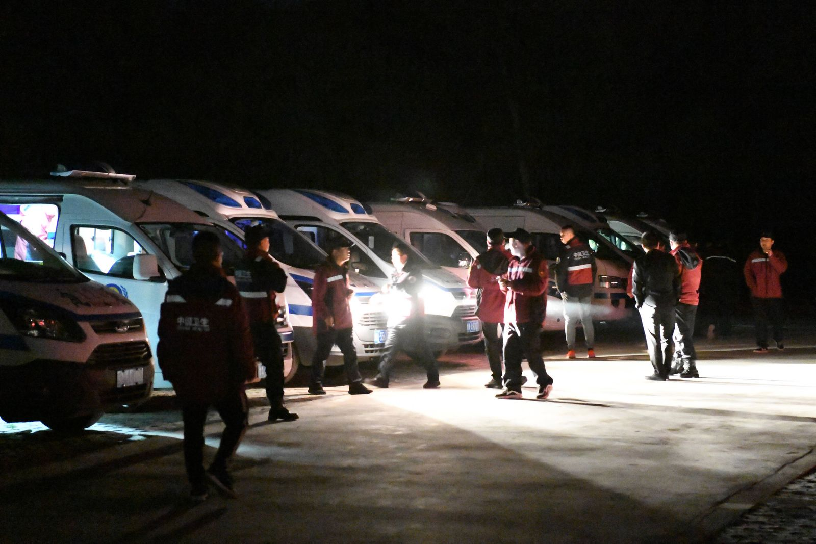 (210523) -- JINGTAI, May 23, 2021 -- Rescuers are on standby at the Yellow River Stone Forest tourist site in Jingtai C