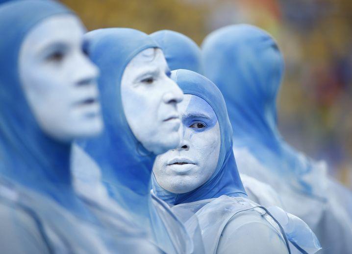 Darsteller bei der WM-Eröffnungsfeier: Bunter Auftakt