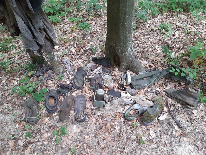 Die Opfer werden auch anhand von Kleidungsstücken oder persönlichen Gegenständen identifiziert