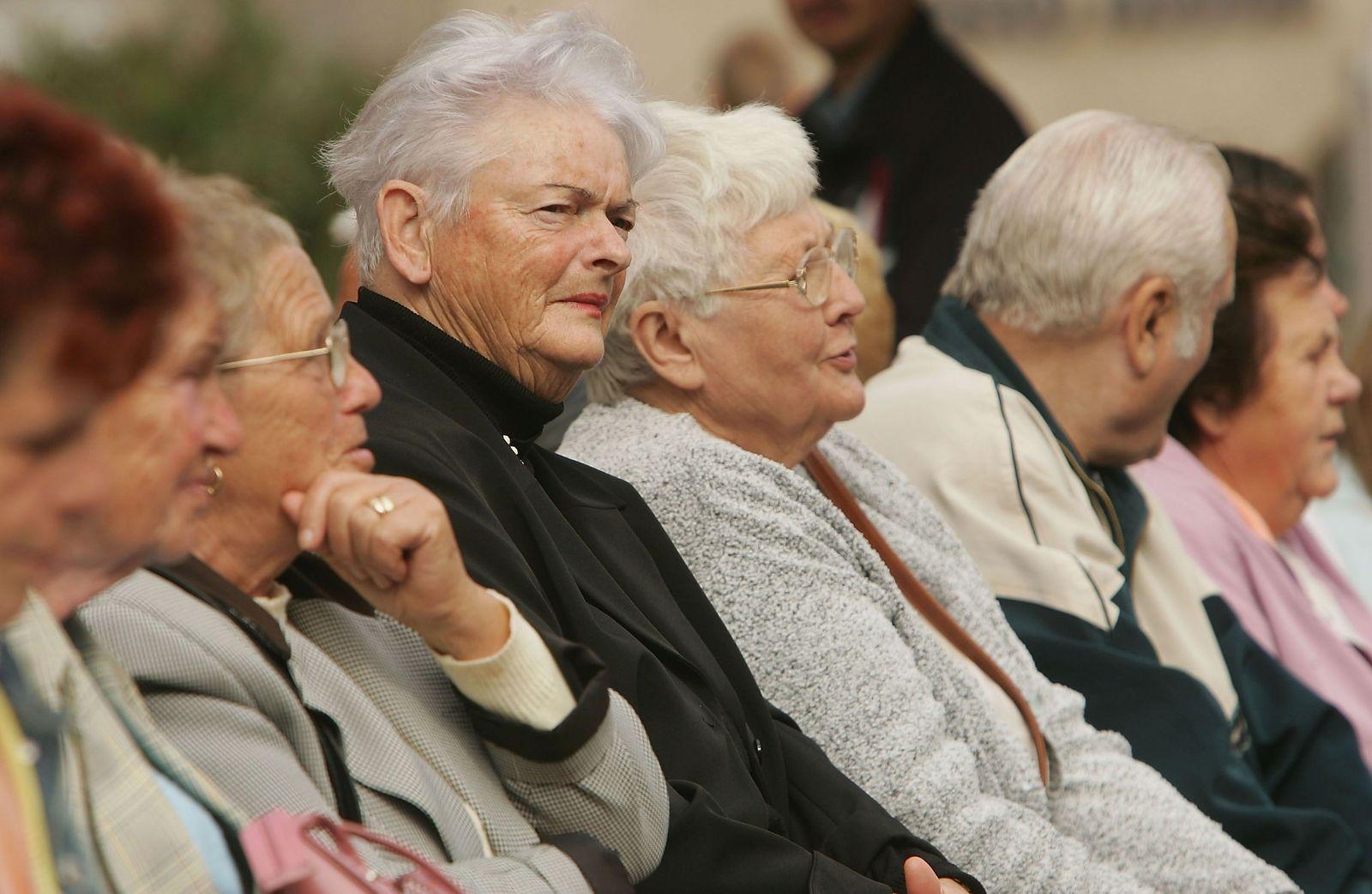EINMALIGE VERWENDUNG Senioren/ Gruppe