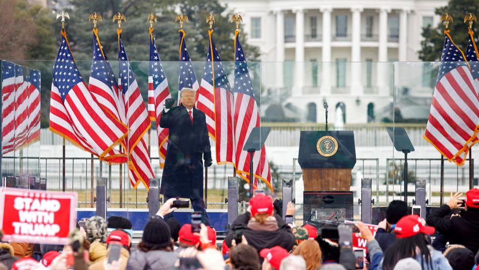Redner Trump am 6. Januar vor dem Sturm auf das Kapitol: Anstiftung zum Aufruhr mit Todesfolge?