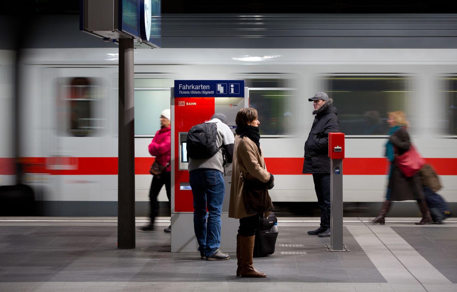 Bahn Fahrpreise / Fahrkartenautomaten
