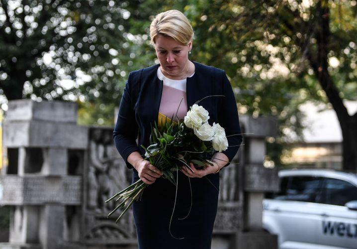 Franziska Giffey am Tatort in Chemnitz
