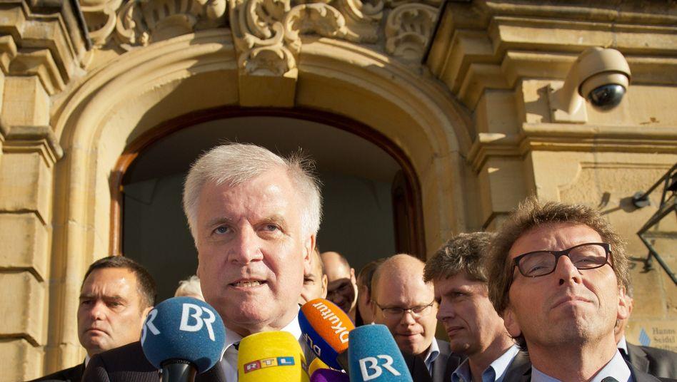 """Bayerns Ministerpräsident Seehofer: """"Überlegen, wie man es beherrschbar macht"""""""