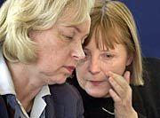 CDU-Politikerinnen Maria Böhmer (l.), Angela Merkel: Auch therapeutisches Klonen verbieten