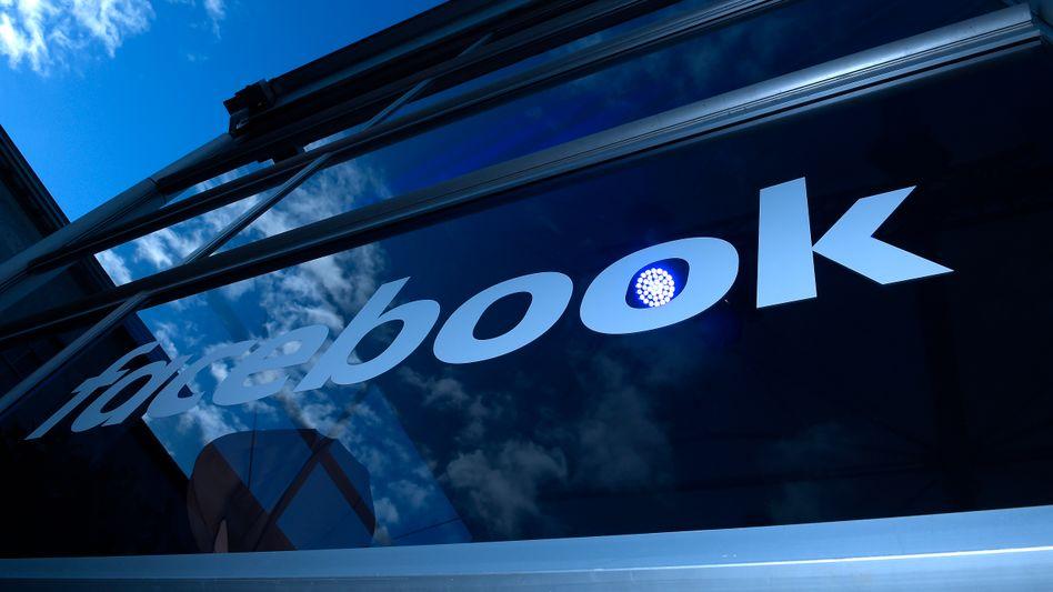 Facebook-Logo in Berlin