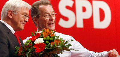 Neues SPD-Führungsduo: Steinmeier, Müntefering in Berlin