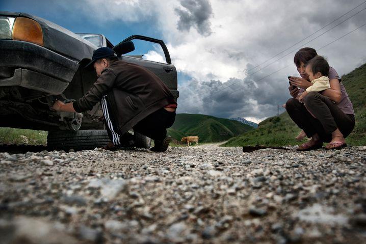 Sammeltaxi in Kirgisien: Nicht immer das zuverlässigste Transportmittel