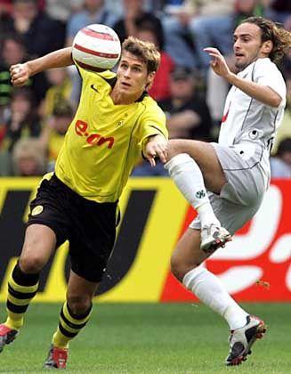 Kein Sieger in Dortmund: Kehl im Zweikampf mit Hannovers Sousa