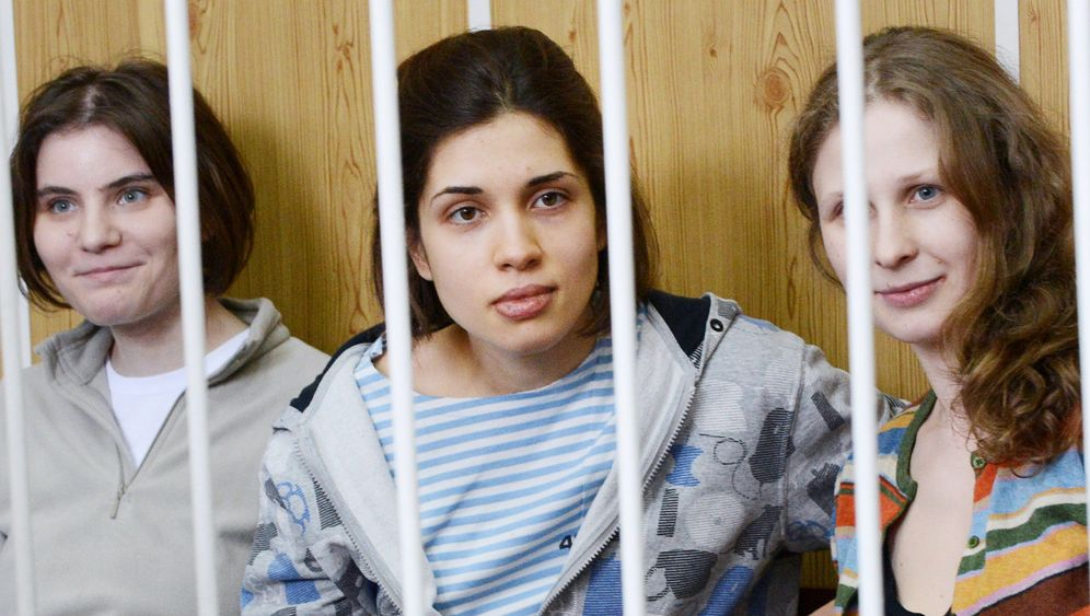 Pussy Riot: Neonstrümpfe vor Gericht