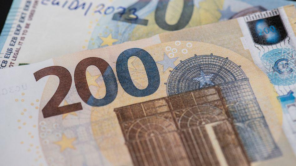 Gefälschte Geldscheine (Archivbild): Täuschend echt