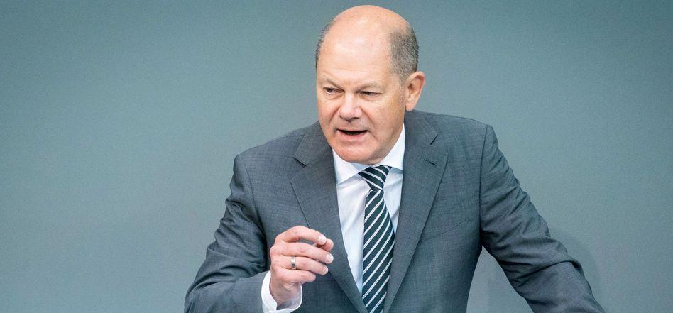 """Bundesfinanzminister Olaf Scholz (SPD): """"Entschlossenes Handeln gehört zu verantwortungsvoller Finanzpolitik"""""""