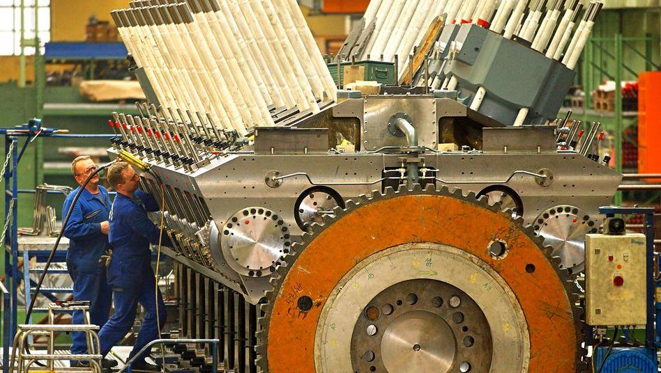 Industriearbeiter (in Augsburg): Starke Zahlen im Juli - aber düstere Aussichten