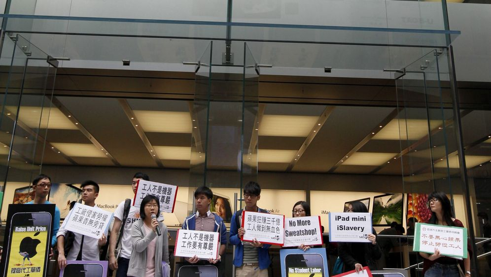 Photo Gallery: Apple Criticized Over Working Conditions in China
