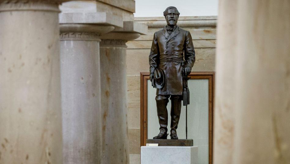 Statue des Konföderierten-Generals Robert E. Lee im Kapitol in Washington