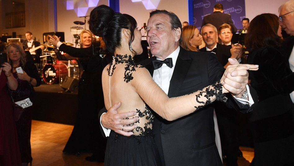 Gerhard Schröder beim Bundespresseball