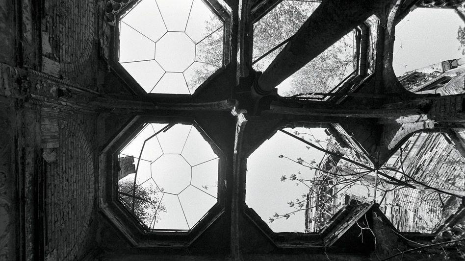 Ruine der Berliner Synagoge an der Oranienburger Straße (1987).