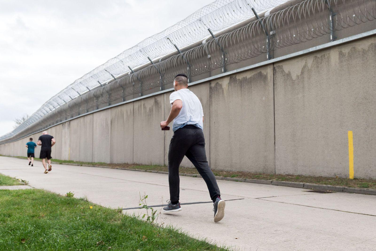 EINMALIGE VERWENDUNG TMN/ Raus aus dem Gefängnis im Kopf