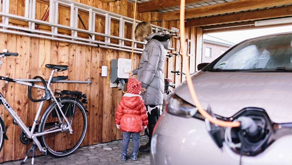 Ein E-Auto zu Hause zu laden soll künftig einfacher werden