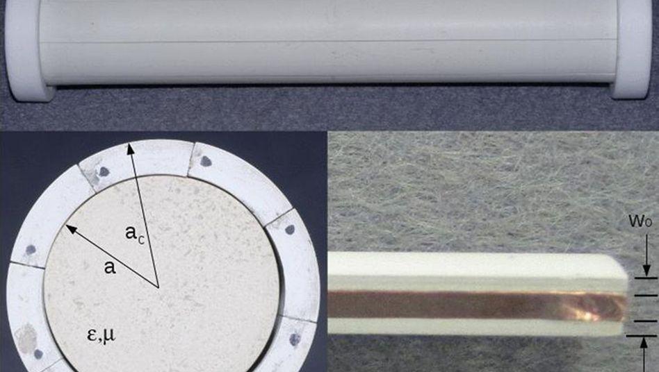 Experiment: Die zylindrische Tarnkappe macht ein Objekt im Mikrowellenbereich unsichtbar