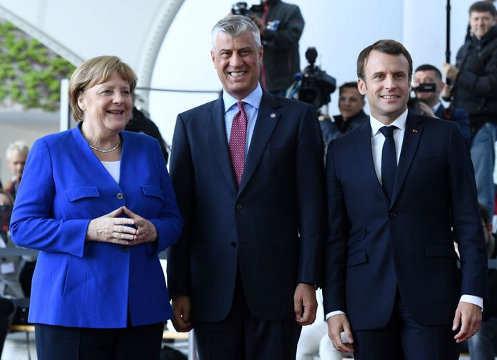 Angela Merkel, Hashim Thaci und Emmanuel Macron auf der Westbalkan-Konferenz in Berlin