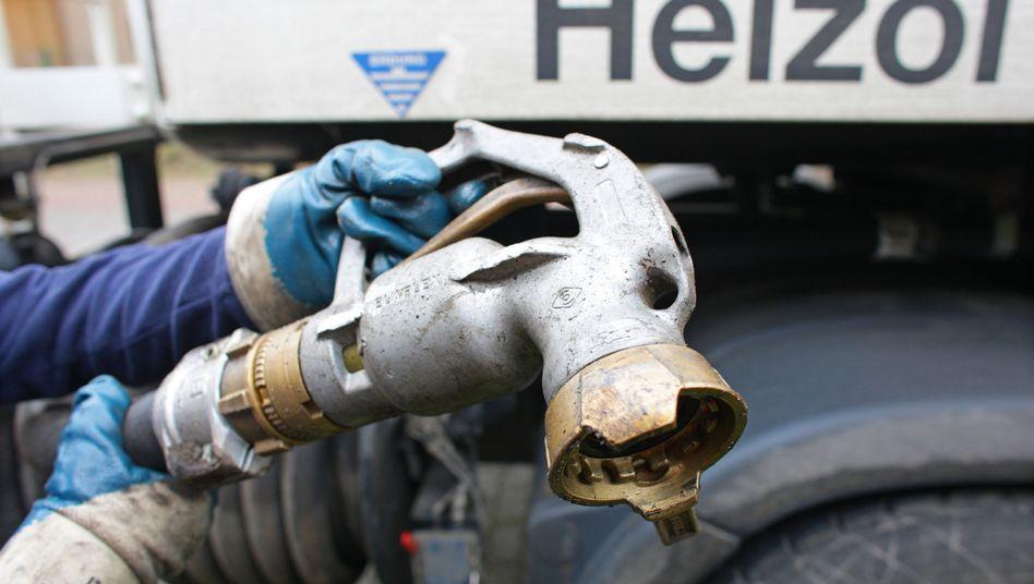 Heizölbetankung: Steigende Energiepreise waren die Haupttreiber der Inflation