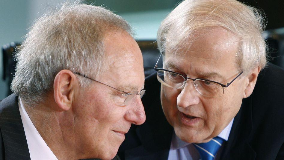Sparminister Schäuble, Steuerpolitiker Brüderle: Wie viel gilt Merkels Spardiktat?