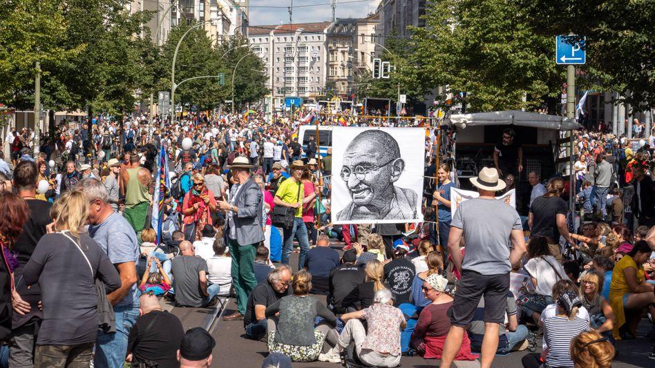Protest gegen Corona-Maßnahmen: Die Gruppen passen überhaupt nicht zusammen