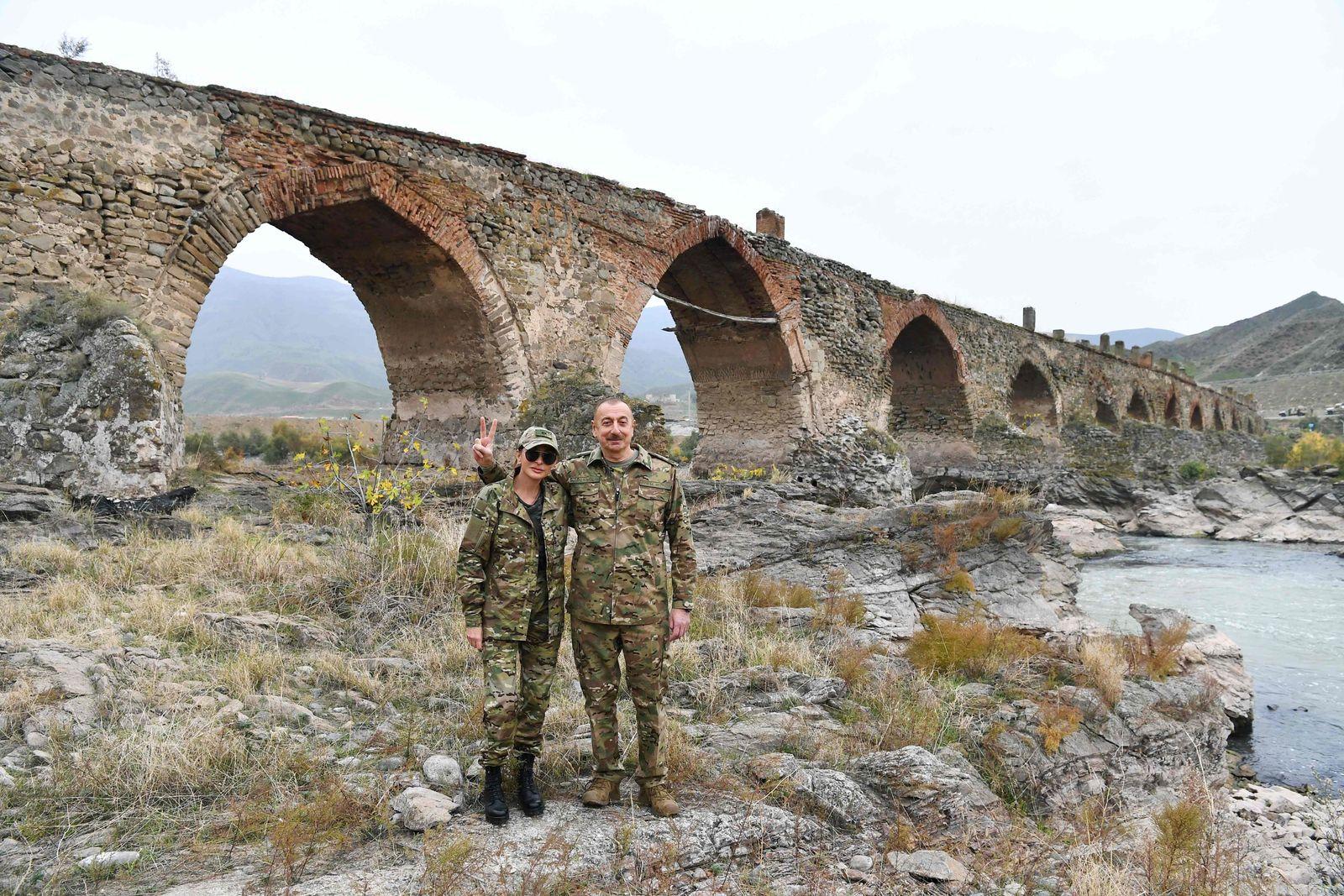 TOPSHOT-AZERBAIJAN-ARMENIA-KARABAKH-CONFLICT