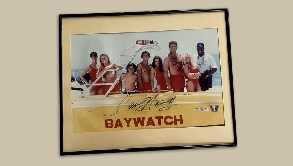 »Baywatch«-Foto von 1994 mit Hasselhoff-Autogramm