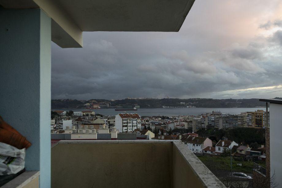 Blick aus der Sozialwohnung, die Joana Santos seit einem guten Jahr besetzt hat