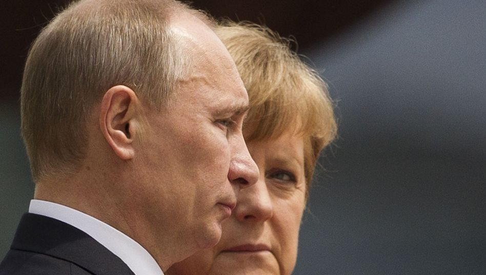 Präsident Putin, Kanzlerin Merkel (im Juni 2012 in Berlin): Neue Eiszeit