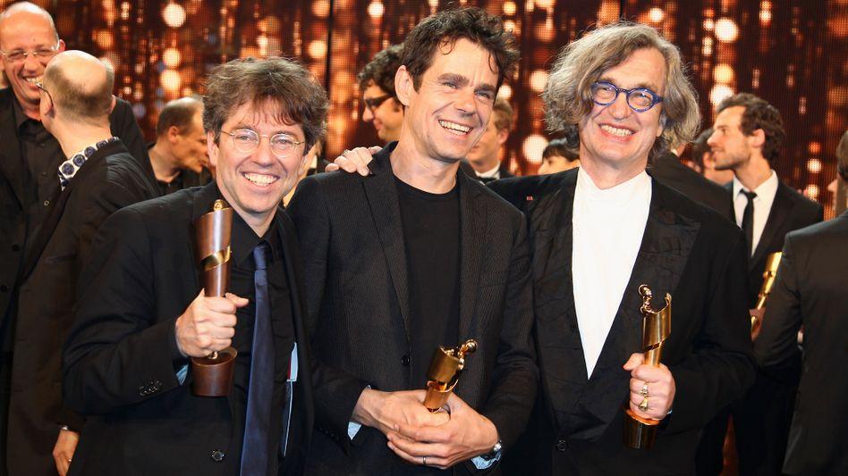 Preisträger Andres Veitel, Tom Tykwer und Wim Wenders 2011 beim Deutschen Filmpreis: Geld und Ehre nur für Männer