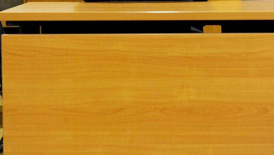 Angeklagter Niels H. vor Gericht: Alkohol gegen das schlechte Gewissen
