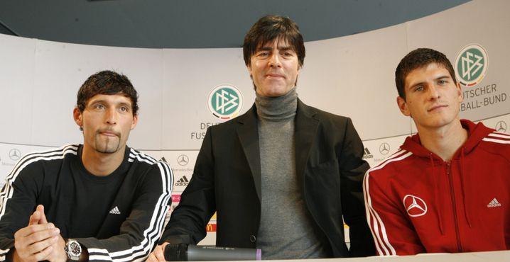 Mario Gomez (r.) vor seinem ersten Länderspiel 2007