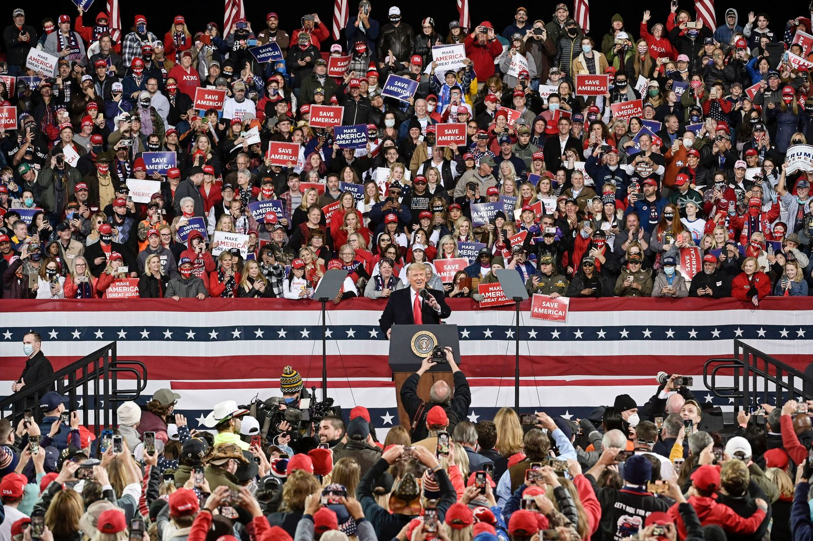 President Trump campaigns for Georgia Republican Senators Perdue and Loeffler, Valdosta, USA - 05 Dec 2020
