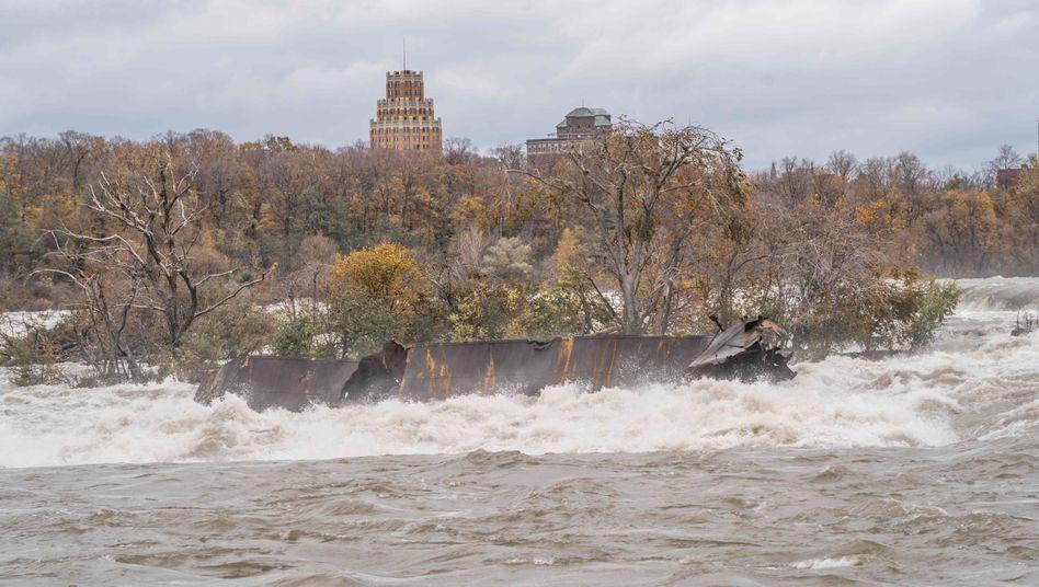 Lastkahn an den Niagarafällen: Mehr als 50 Meter von der Stelle bewegt