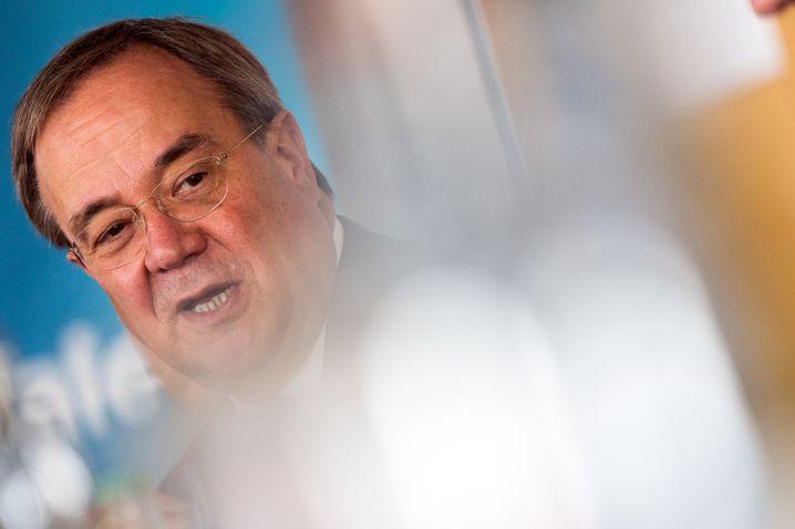 Unionskandidat Armin Laschet sucht einen Weg aus der Misere