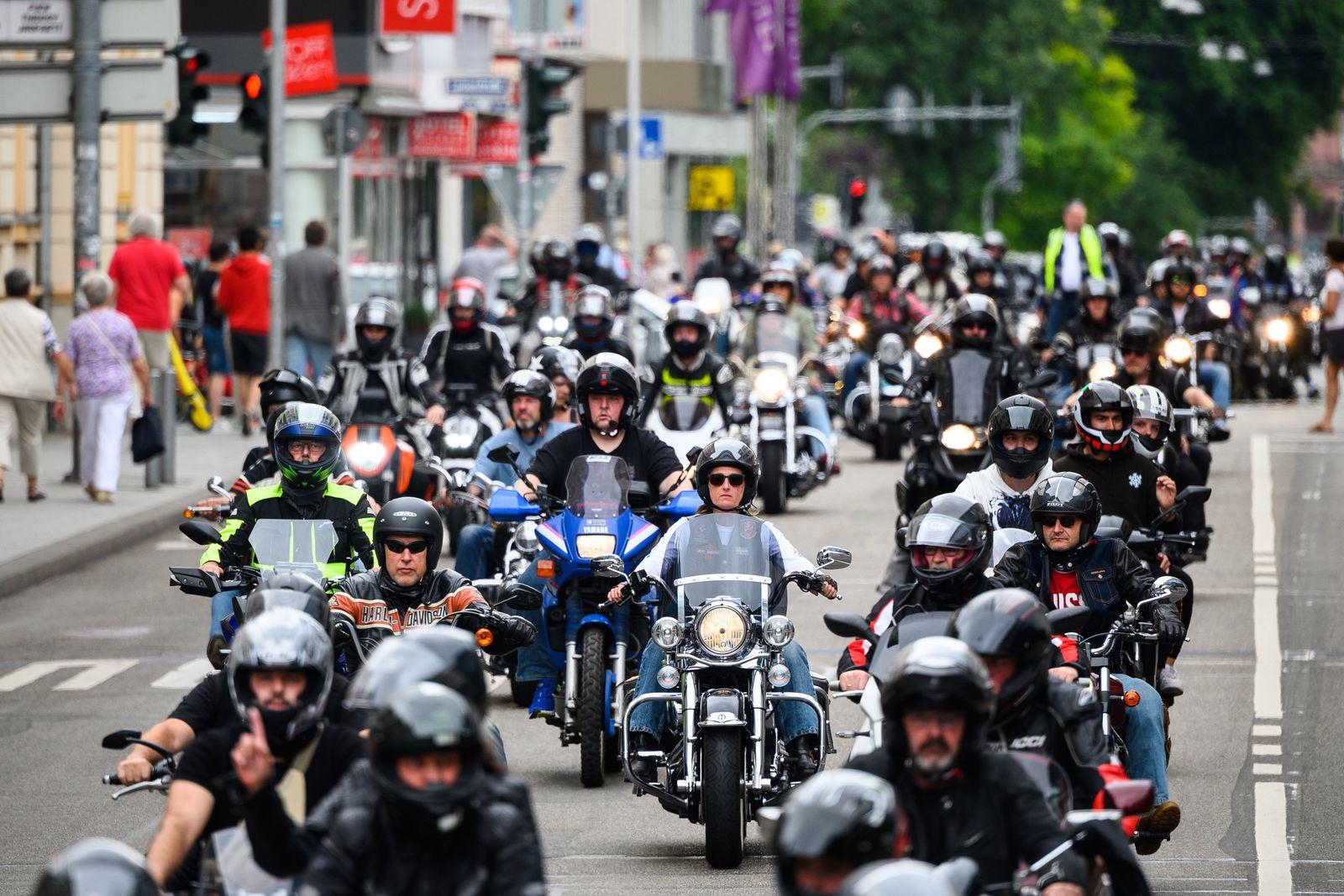 Demonstration gegen drohende Fahrverbote am Wochenende-Wiesbaden